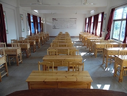 宽敞明亮的教室