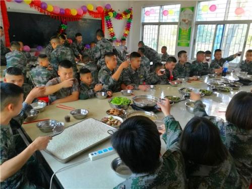 惠州启发训练营之夏令营(田埂上的迷彩梦,青少年戒网瘾)开营仪式